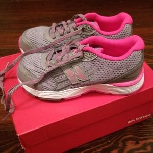 NWT New Balance Pink and Gray Kids Sneakers